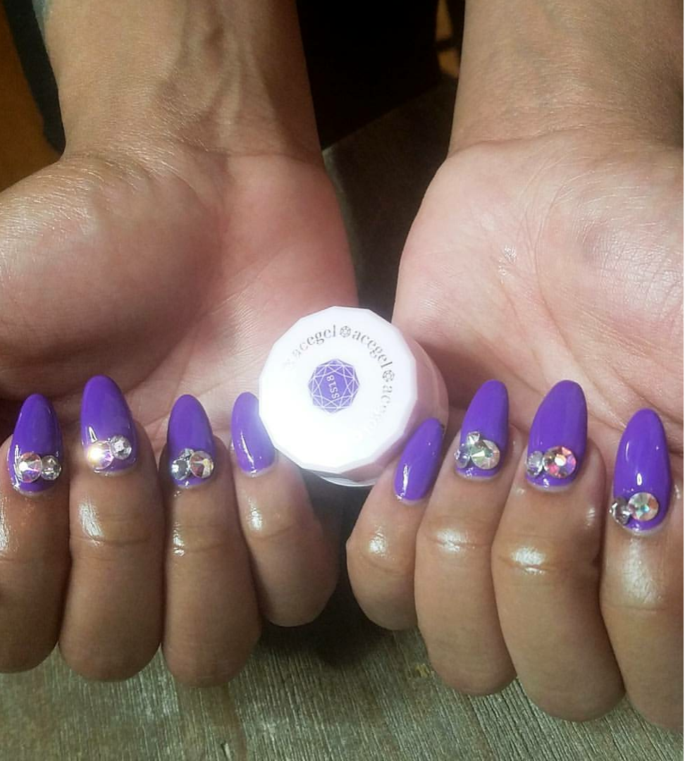 Miami Nails : That time she was determined to put rhinestones on my nails and they all fell off..lol (Because I'm a man..lol) Insider.