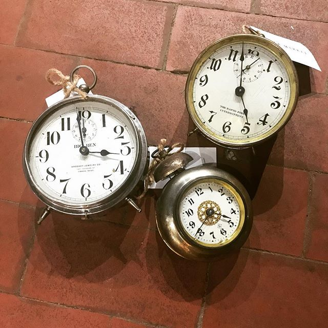 Time to head to Www.blackmarketomaha.com . . . . #blackmarketomaha #oldmarketomaha #omaha #salavged #repurposed #hardware #customfurniture #downtownomaha #omahaeventvenue #friday