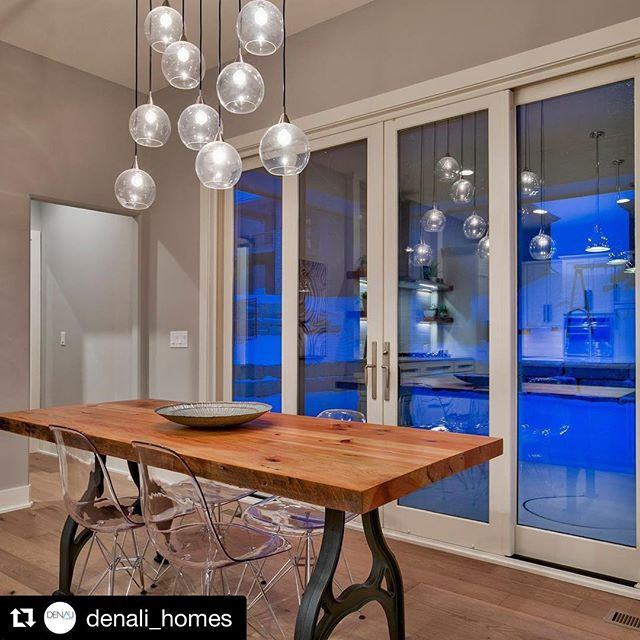#Repost @denali_homes ・・・ We are in love with our custom made reclaimed wood table showing in our model!!! Thank you @blackmarketfurniture #newconstruction #newhome #build #diningroom #custom #customhomes #modern #modernfarmhouse #farmhousestyle #farmhousedecor #lucite #chandelier #instagood #picoftheday #architecture #residential