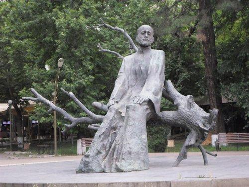 yerevan statue.jpg