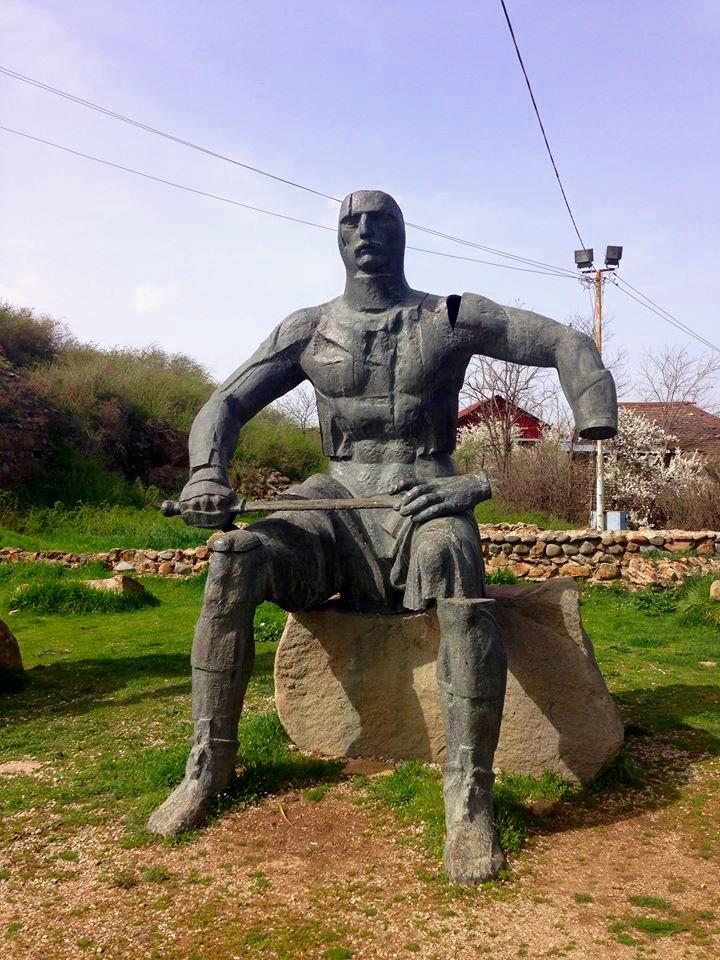 Guy missing an arm (Gori, Georgia)