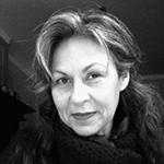 Anja is een persoonlijkheid die verrast. Haar presenceprikkelt je nieuwsgierigheid en maakt je wakker. In rust neemt ze je mee naar de diepte waar ze je, vakbekwaam en met fluwelen geduld, helpt te verankeren in jezelf. Een belevenis. - Monica Vanleke |writer, stylist, coach