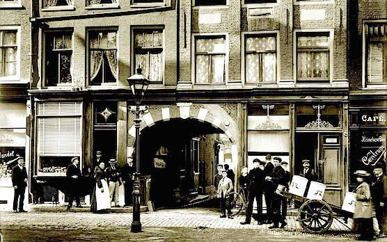 historic Amsterdam-Nes-1905-1910-small Brietner.jpg