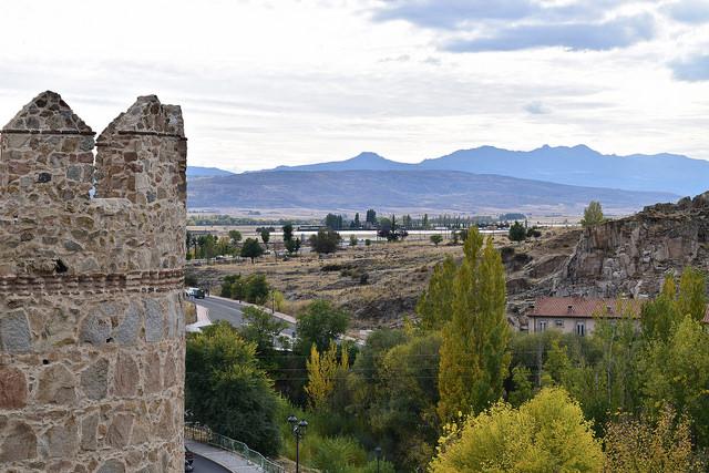 Walking along the murallas
