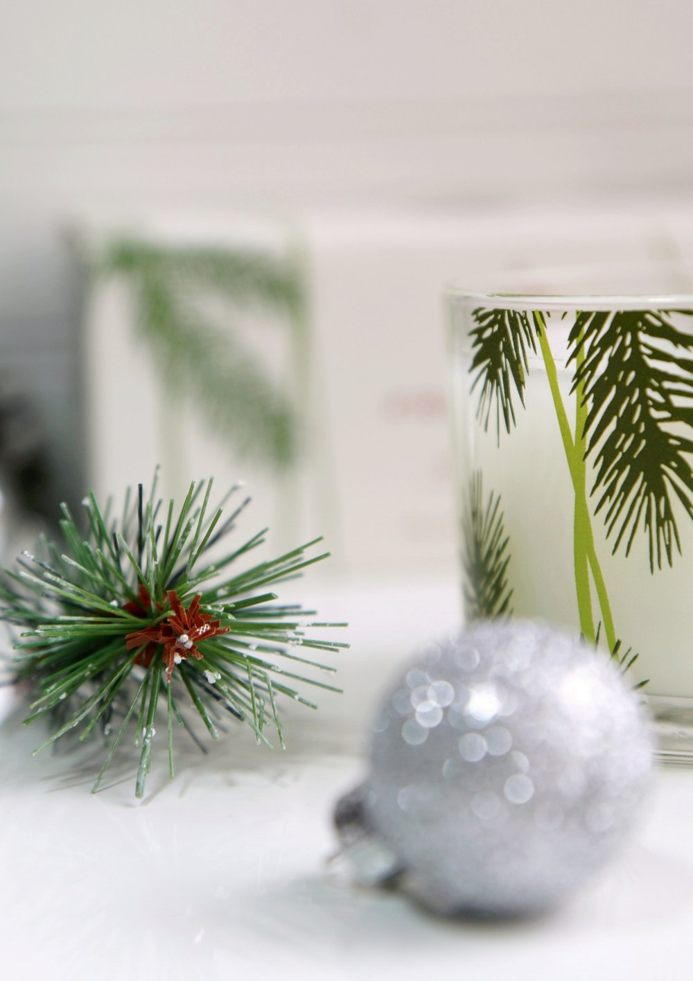 christmas candles fraiser fir by thymes