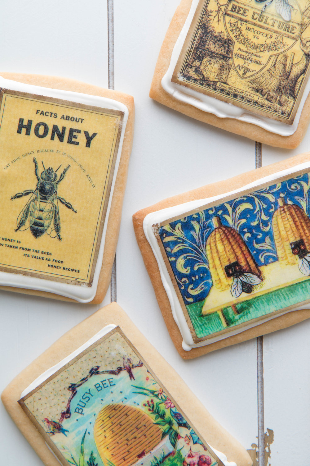 Adorable bee themed cookies by Fancy Flours. So easy to make!