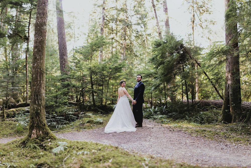 Katie Nic Diablo Lake Wedding Tyler Ray b (71).jpg