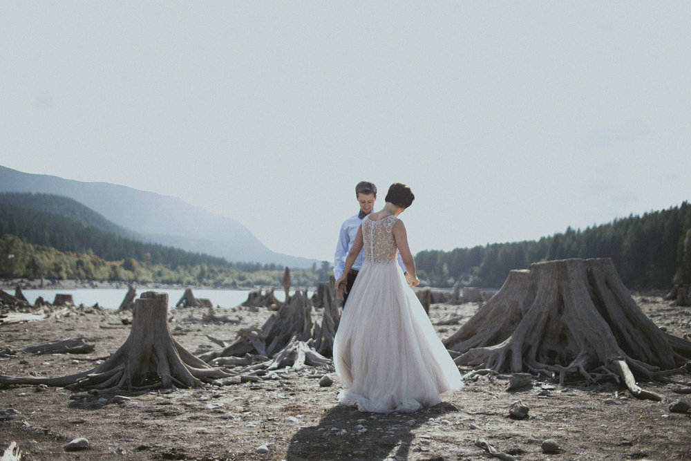 rattlesnake lake first look elopement