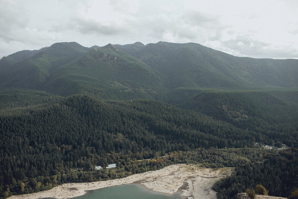 the view from rattlesnake ridge summit