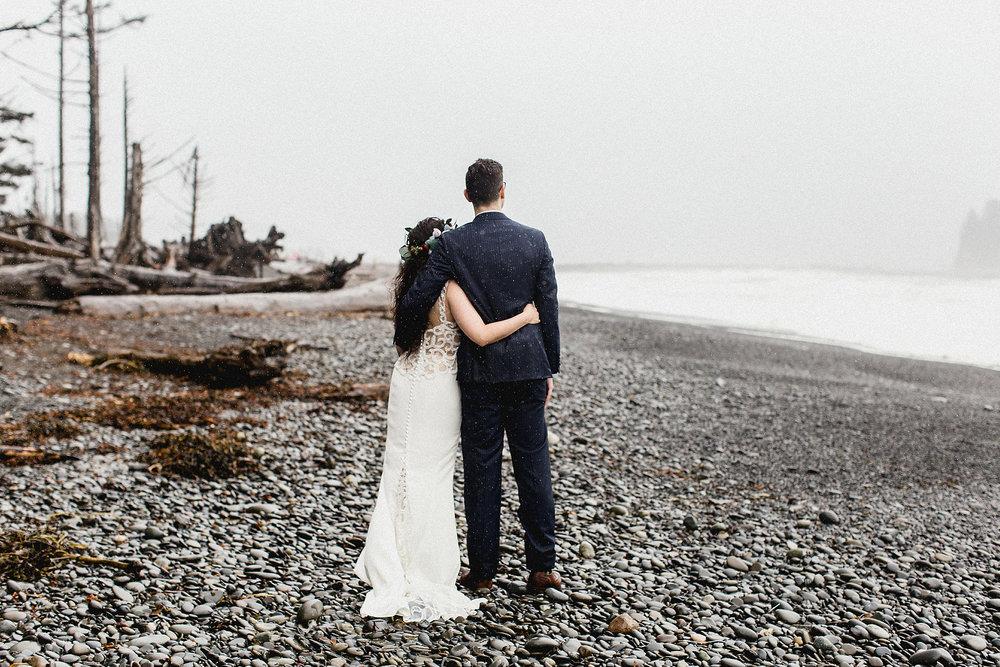 romantic pacific northwest beach bride and groom portrait