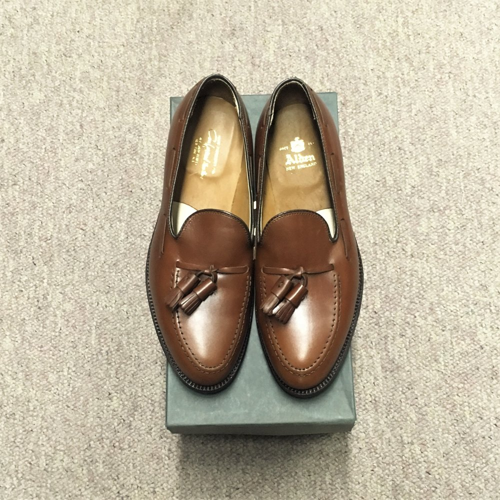 #560 - Aberdeen LastWalnut Calfskin - Tassel Loafer - Leather SoleDiscontinued ModelLAST PAIRS SIZE 7D & 8EMSRP $551Contact us for Pricing and Availability