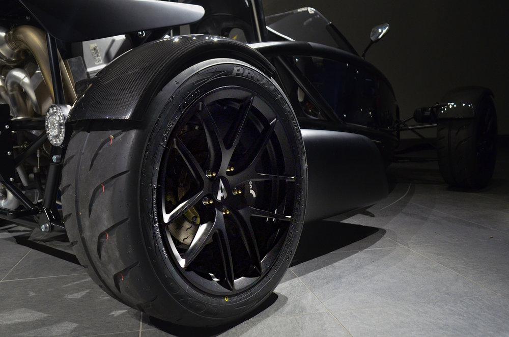 Ariel_Atom_3RS_Wheels_002.jpg