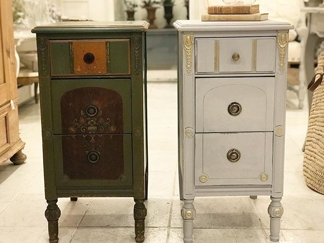 Join us Saturday February 23rd from 11:00 AM to 4:00 PM for all day demonstrations and questions and answers. Try for yourself the one and only original Chalk Paint®️by Annie Sloan.  @paintedswannyc  #anniesloanchalkpaint #anniesloanhome #anniesloan #chicagogrey #anniesloanstockist #anniesloaninspiration