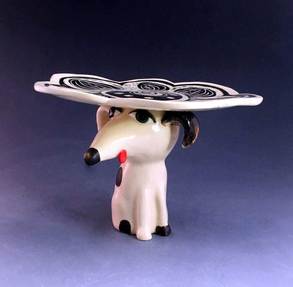 dog cupcake plate.jpg