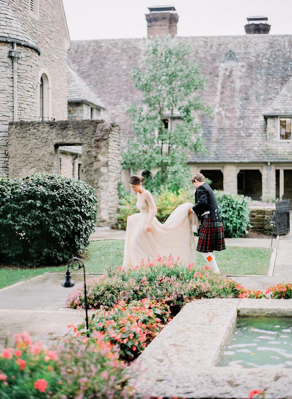 leslee-mitchell-weddings.jpg