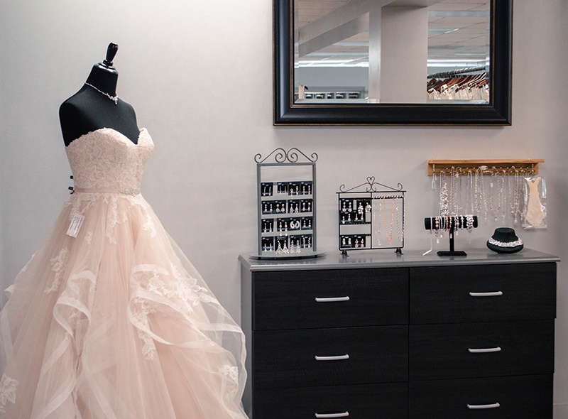 22 bellevue bridal wedding photography seattle boutique shop anya storm photography gig harbor portrait photographer wedding party puget sound dresses boutique shop tacoma.jpg