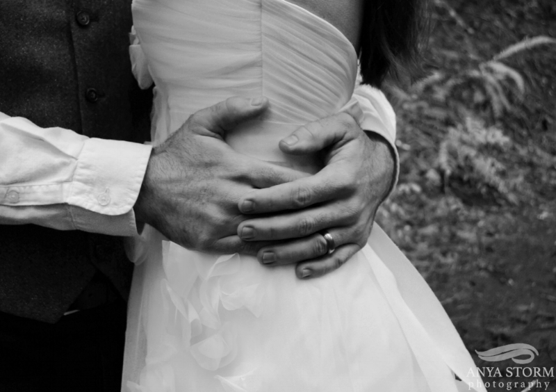 wedding photographer black and white photo seattle washington gig harbor bellevue woodinville kirkland portrait anya storm photography.jpg