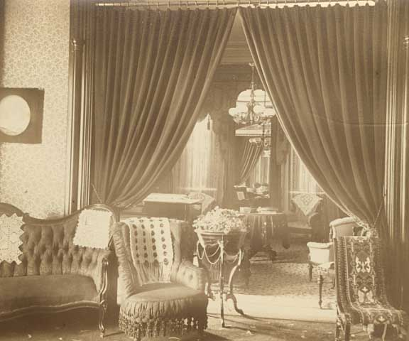 The reception room at the Ramsey House where Anna once received about 100 visitors on New Years Day, which was considered a light day for visitors (image courtesy of wikiwand.com)