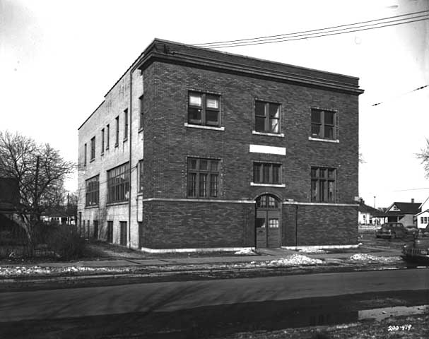 Polish National Catholic School at 607 22nd Avenue Northeast in 1951 (photo courtesy of the Minnesota Historical Society)