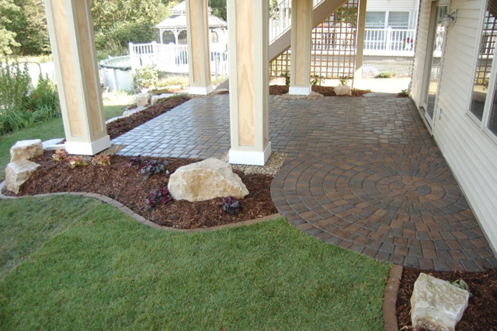 Maple-Grove-Paver-Patio-2.jpg