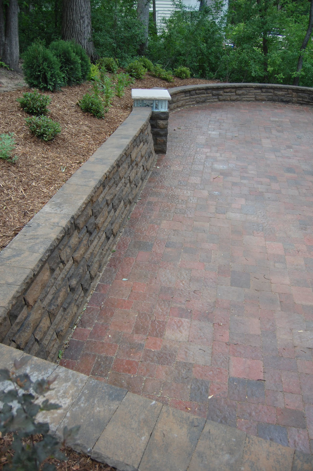 Minnetonka-Retaining-Walls-and-Pillars.jpg