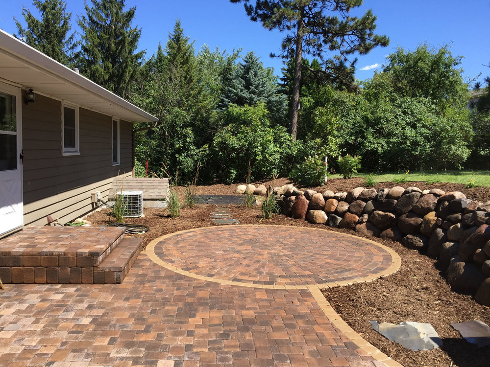 Golden-Valley-Paver-Patio-and-Boulder-Wall.jpg