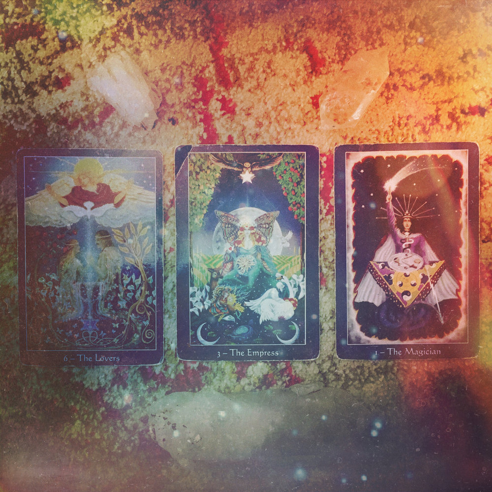 This week's Aloha Friday Tarot reveal found at  @candicosmic