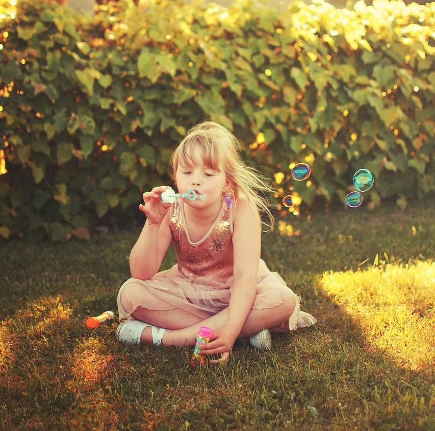 girl-650171_1280.jpg