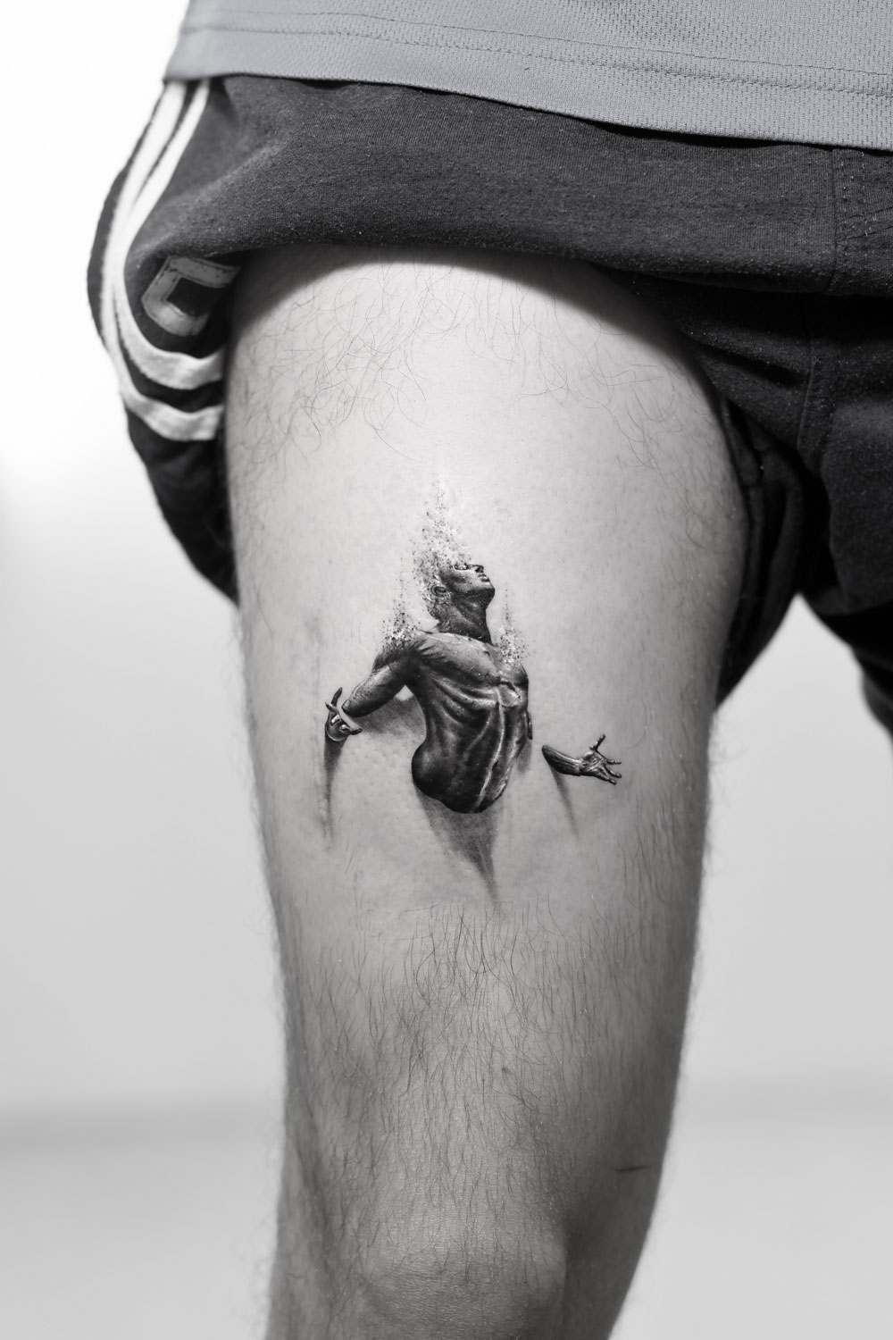Destruction-Effect-Darkness-Free-by-Alessandro-Capozzi-in-Aureo-Roma-Tattoo-&-Gallery.jpg