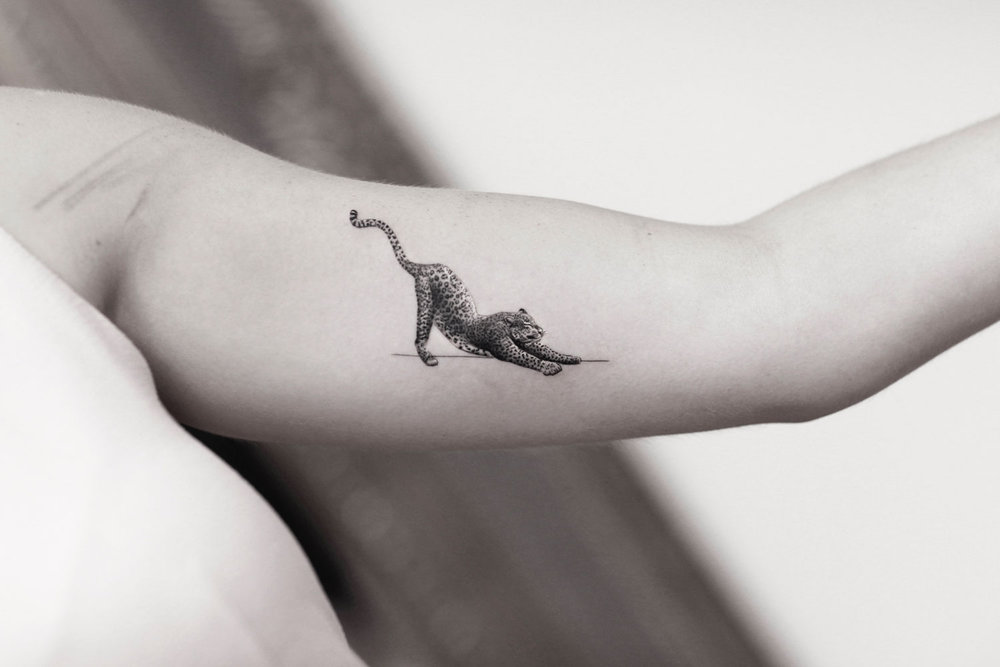 Micro-Leopard-done-by-Alessandro-Capozzi-in-Aureo-Roma-Tattoo-&-Gallery.jpg