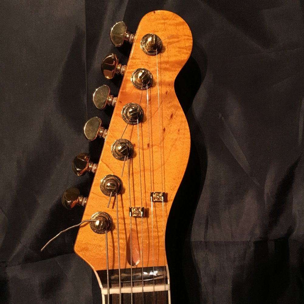 Ingerstyle Guitars are fitted with Telecaster or Stratocaster style necks.