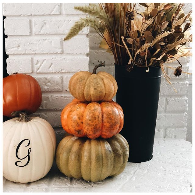 To distract myself from the disaster of a DIY project that my stairs are... I'll show you this picture that has 3 DIYs that we're so simple! • • • 1) Buy a faux pumpkin and a large letter sticker. Slap it on. Voila... in the south anything is better monogrammed.  2) Buy three different sized faux pumpkins. Rip the stem off the biggest two. Take a stick from your yard the appropriate size and stick it in the middle. Put the smaller pumpkin on top.  3) Buy fall foliage in groups of two/three, depending on their volume. Group like ones together and toss in a vase. • • • Then repeat these words: I'm a DIY bad ma'ama-jamma. 💪🏻