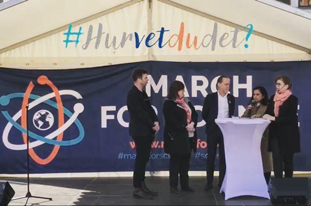 Nu finns HELA manifestationen för #vetenskap #marchforscience och lanseringen av #hurvetdudet? I #Stockholm på @youtube se länk o bio.