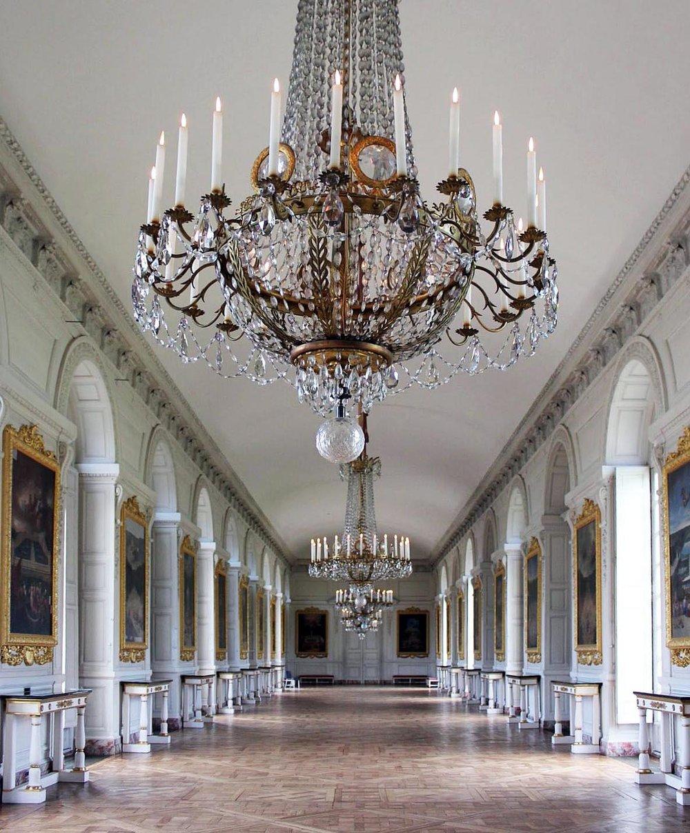 Versailles-SP-Hallway1.jpg