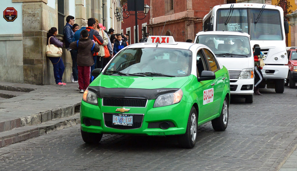 taxi scams in mexico