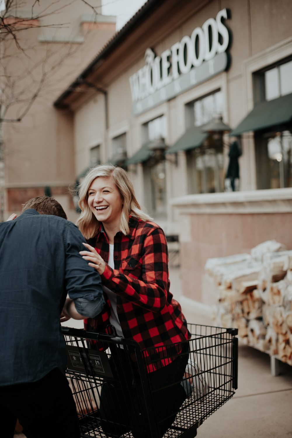 THE LOVE SERIES: A grocery store adventure with Jordyn & Brian | DIANA COULTER PHOTOGRAPHY