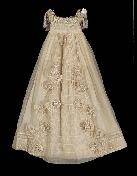 1843 French Christening Gown Museum of Fine Arts Boston