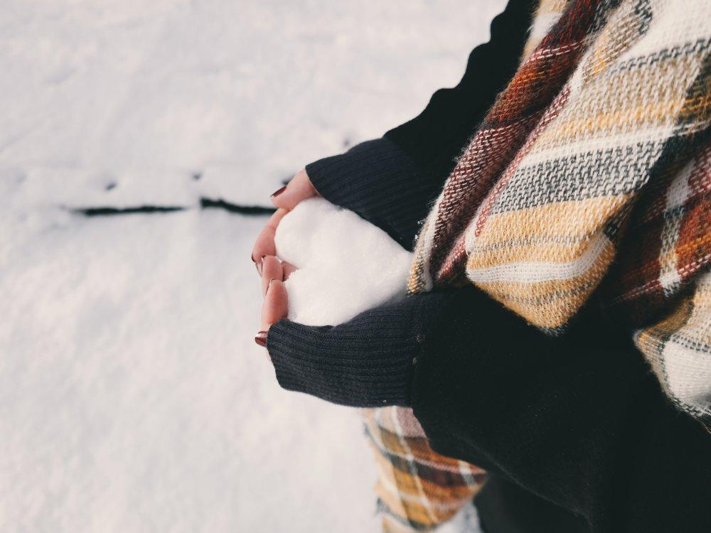 heart_in_snow.jpg