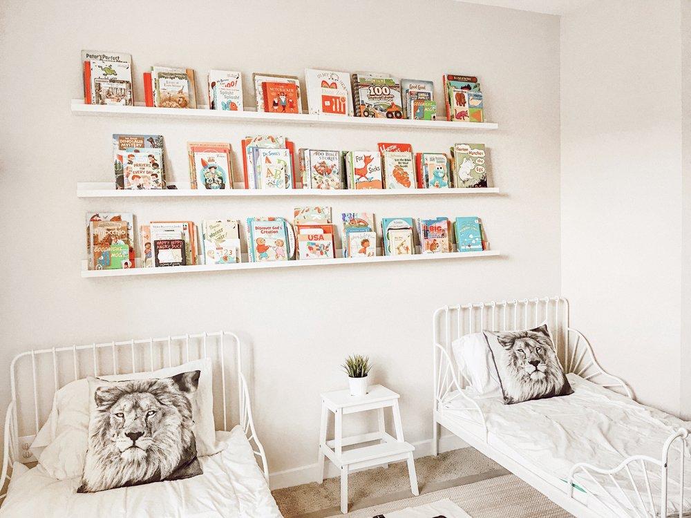 toddlersharedbedroom.JPG