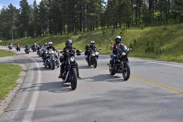 STURGIS-MOTORCYCLES-WOMEN-BIKER-BELLES-043.jpg