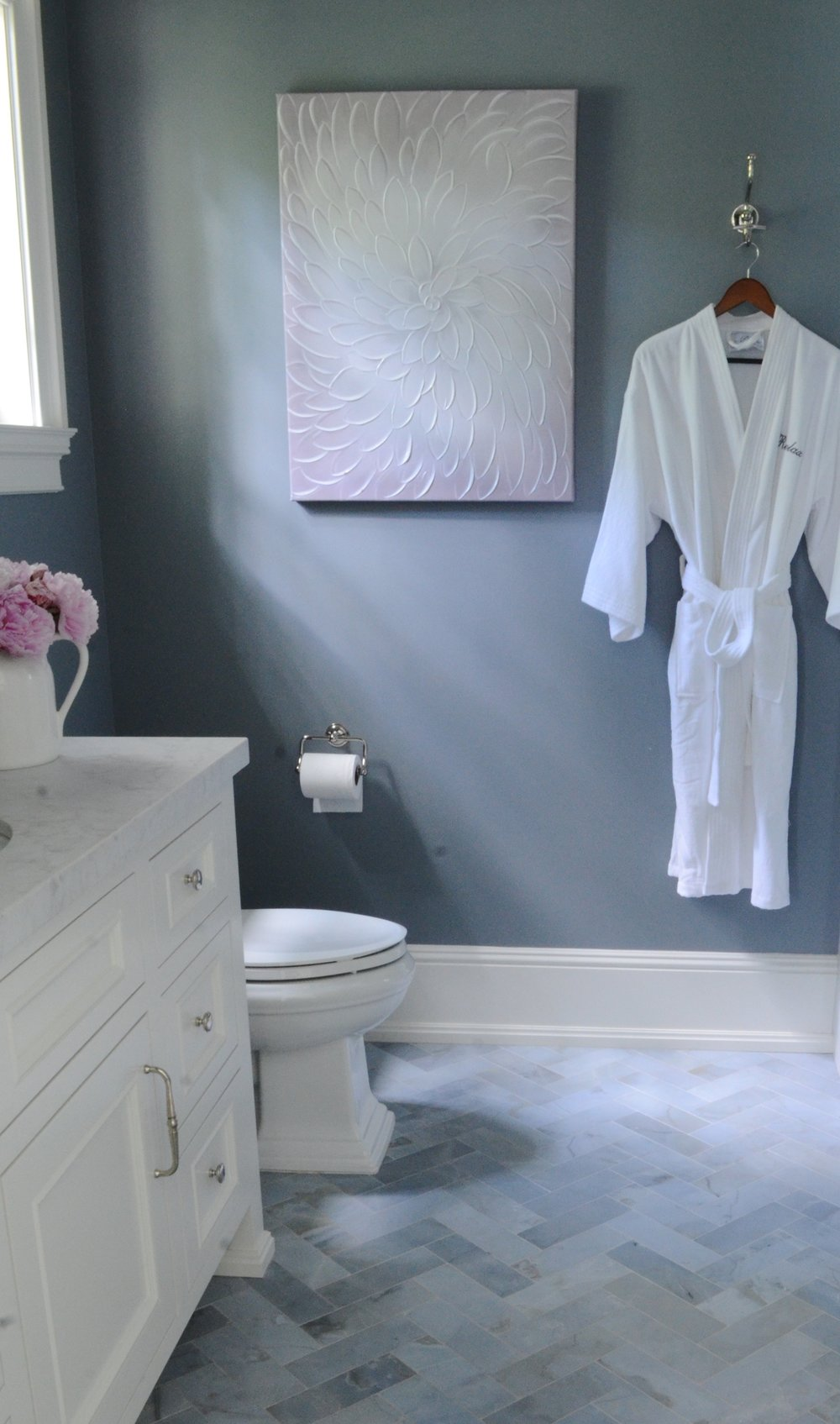 BENJAMIN MOORE- FRENCH TOILE IN THE GUEST BATH