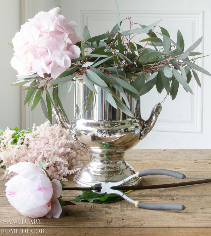 Fresh-and-faux-flower-arrangement-hydrangea-peonies-10.jpg