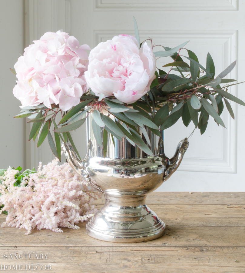 Fresh-and-faux-flower-arrangement-hydrangea-peonies-11.jpg