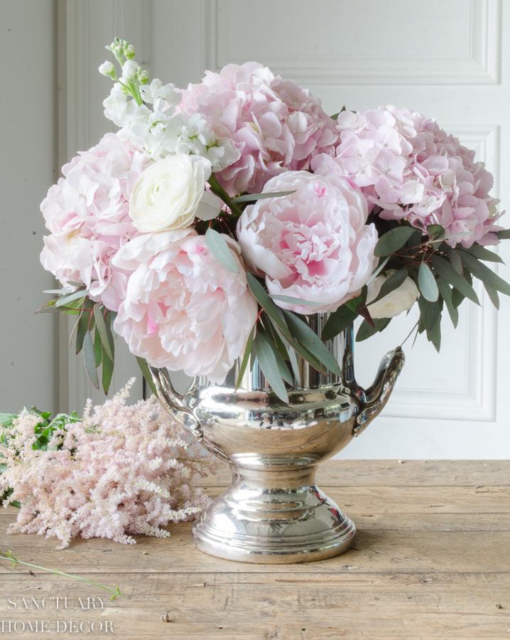 Fresh-and-faux-flower-arrangement-hydrangea-peonies-16.jpg