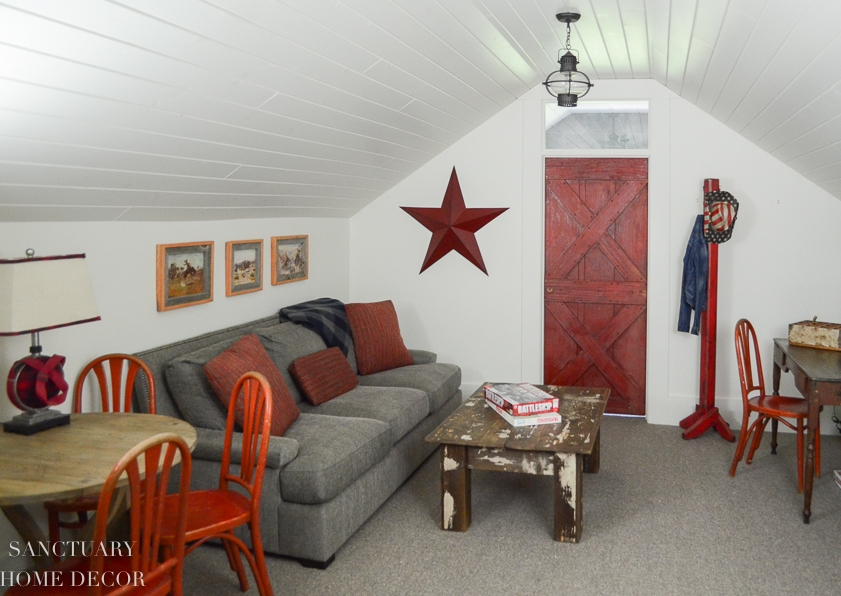Attic-Bunk-Room-western-theme