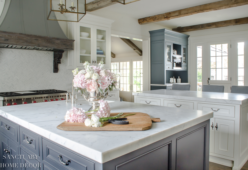 French-Country-Kitchen.jpg