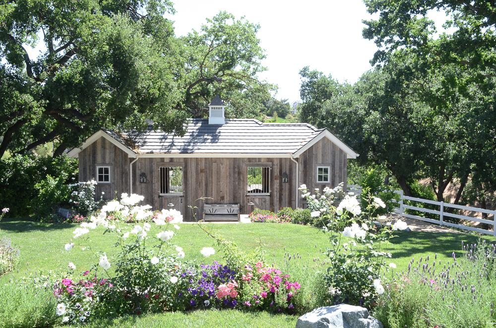 Romantic-Back-Yard-Barn.jpg