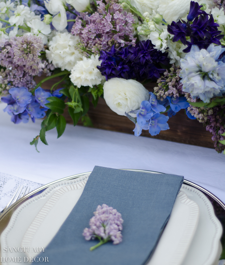 Rustic-Centerpiece-purple-flowers-Outdoor-Party-6.jpg