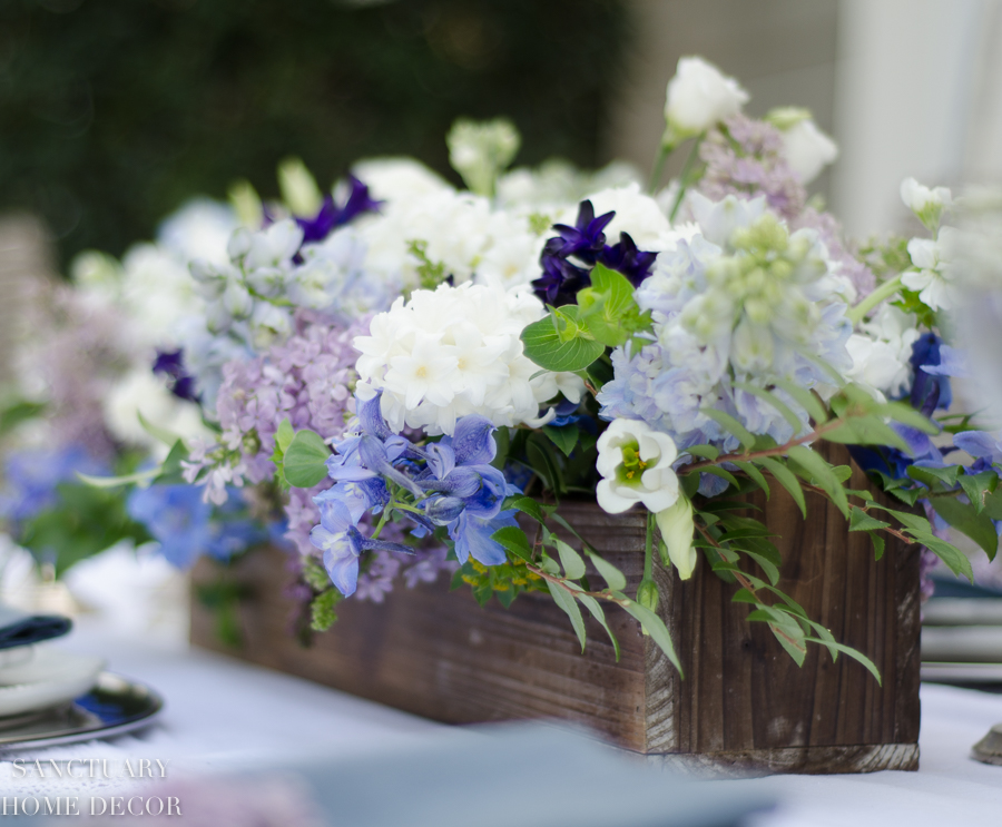 Rustic-Centerpiece-purple-flowers-Outdoor-Party-11.jpg