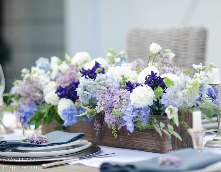 Rustic-Centerpiece-purple-flowers-Outdoor-Party-15.jpg
